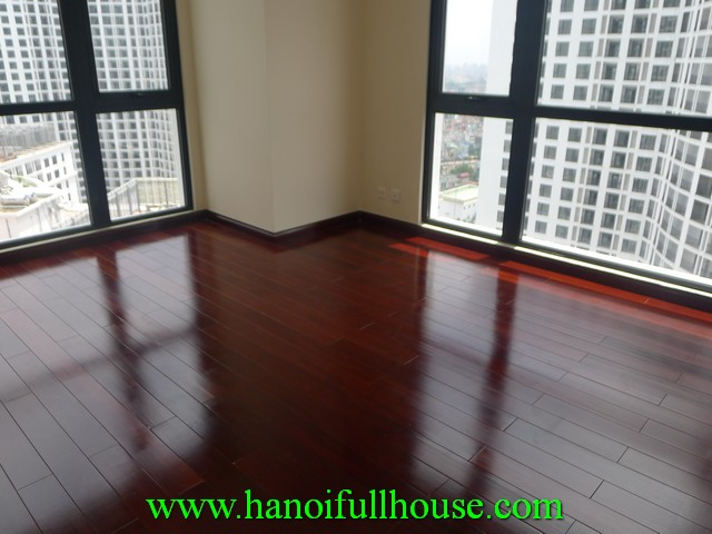 3 bedroom apartment in Royal City Nguyen Trai, Thanh Xuan, Ha Noi for rent