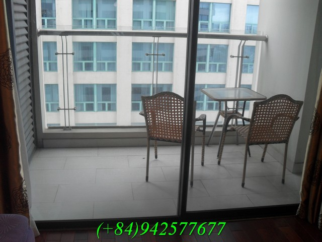 Beautiful one bedroom apartment at Vincom Ha Noi for rent now