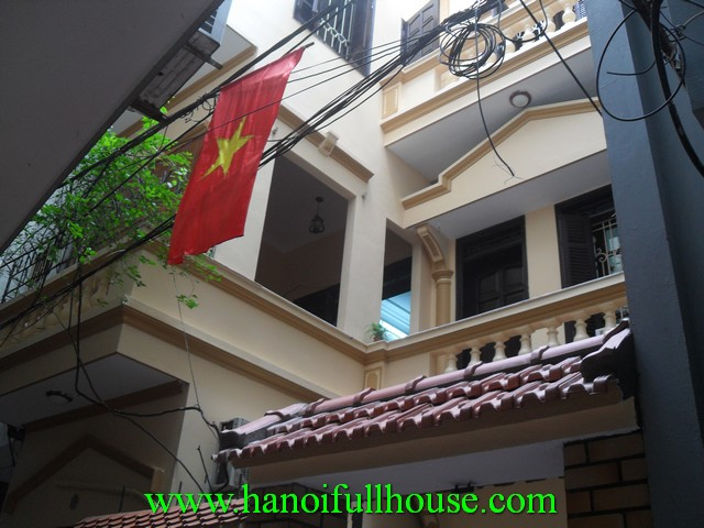 Nice house for rent in Hai Ba Trung dist, 3 bedrooms, fully furnished. price 700$/month