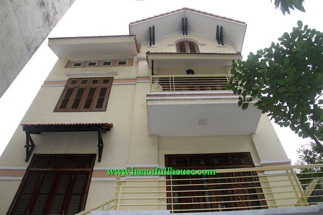 3 bedroom house in Trich Sai area, Tay Ho dist, Ha Noi for lease