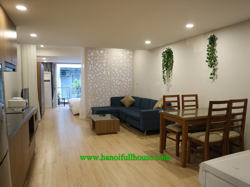 One bedroom apartment with balcony, full service in Ba Dinh center
