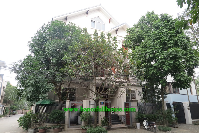 Full furniture Villa in Vuon Dao Urban for rent: full of light and parking car