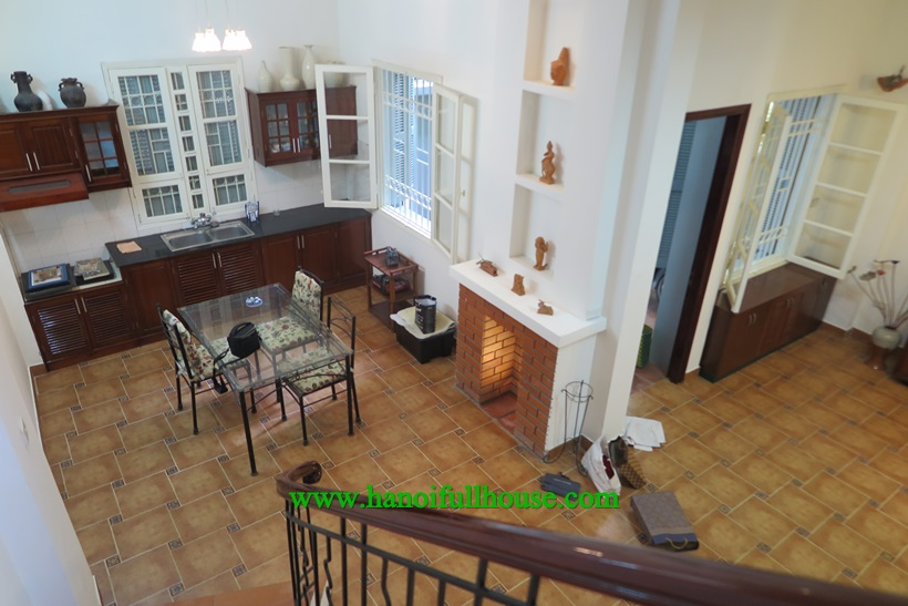 French Villa for rent in Ba Dinh :4 bedrooms, with full furnished