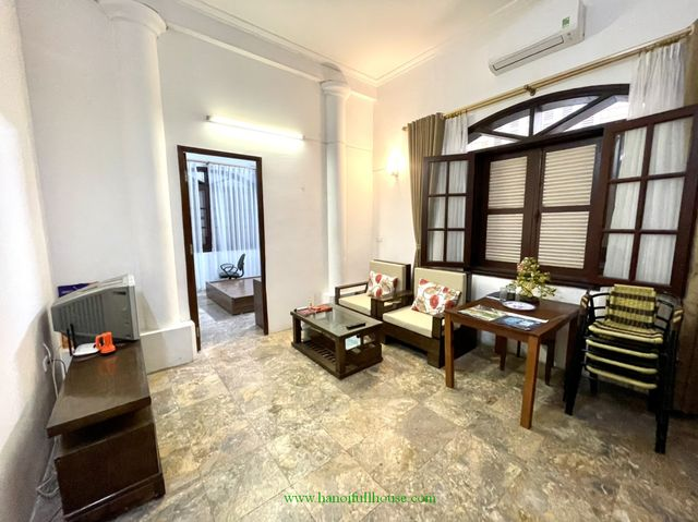 So cheap price for private one bedroom apartment in Tay Ho dist