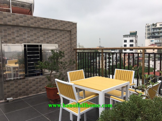 One-bedroom service apartment for rent in Lang Yen Phu area.