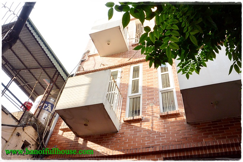 3-bedroom house in Ba Dinh, located in a quiet lane, good security. This is a house for teachers group