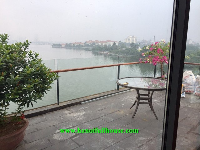 Luxurious apartment, 1 bedroom, spacious balcony for rent on Quang An street.