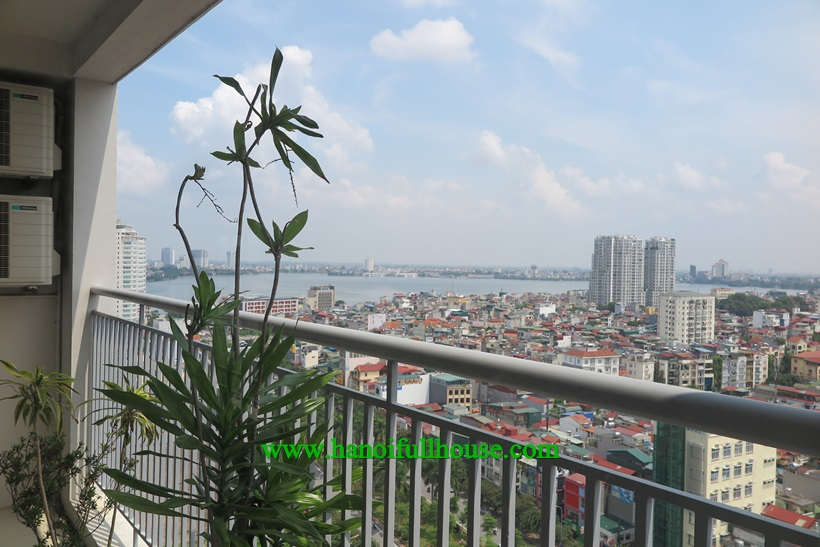 3 bedroom spacious apartment rentals in Ba Dinh, Ha Noi. Long bacony, great view