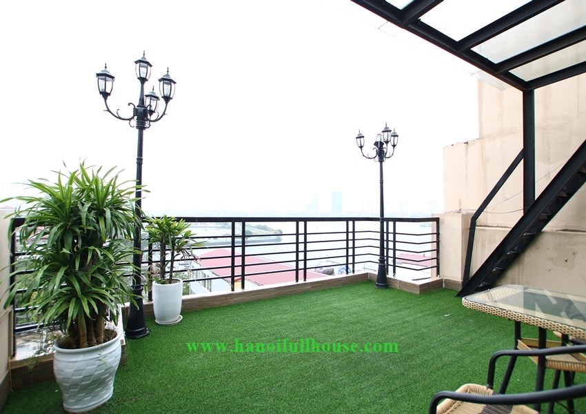 Lake view apartment, 02 bedrooms, big balcony with 20 sqm, modern furniture on To Ngoc Van street