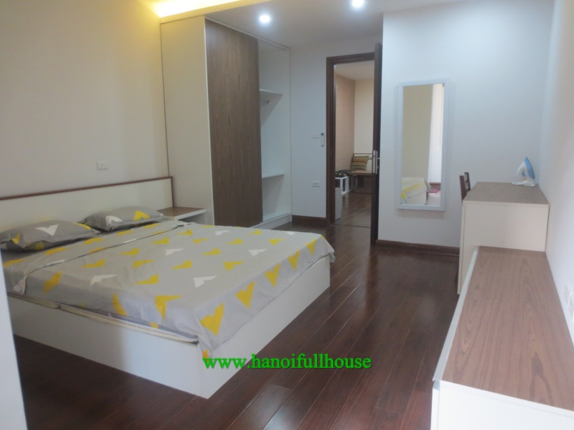 430$ to rent one bedroom serviced apartment on Giang Van Minh, Kim Ma street