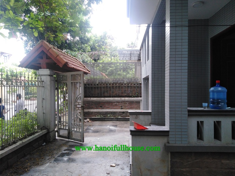 For rent unfurnished Villa in Viet Hung ,Long Bien dist