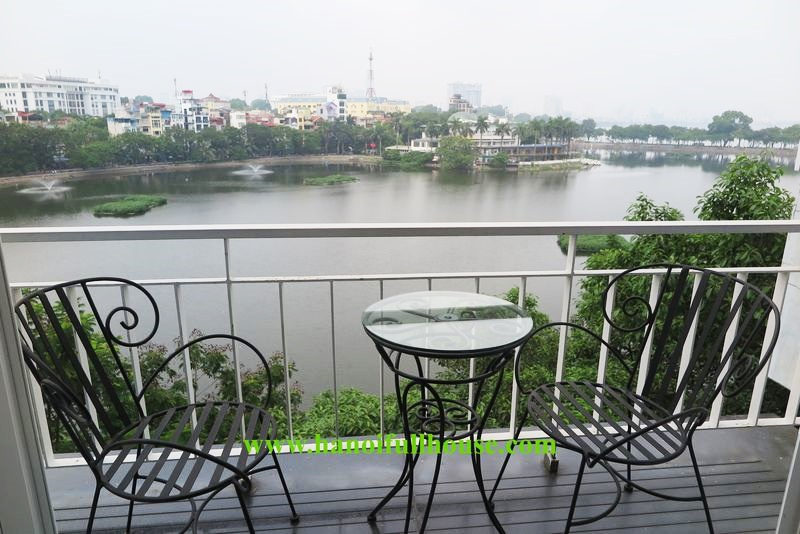The Duplex apartment on top floor overlooking to Lakeview in Truc Bach area for rent