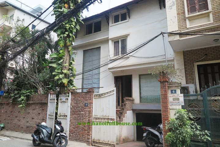House for rent on the street, nice garden, suitable for business, office in Tay Ho dist