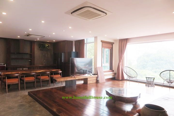 3 BHK apartment for rent on high floor with beautiful West Lake view