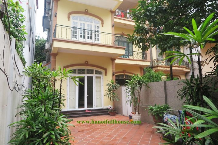Large garden house with 3 closed bedrooms for rent in To Ngoc Van