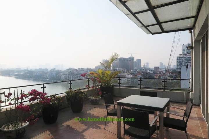 Amazing Penthouse apartment with full view of West Lake for rent in Xuan Dieu street, big balcony
