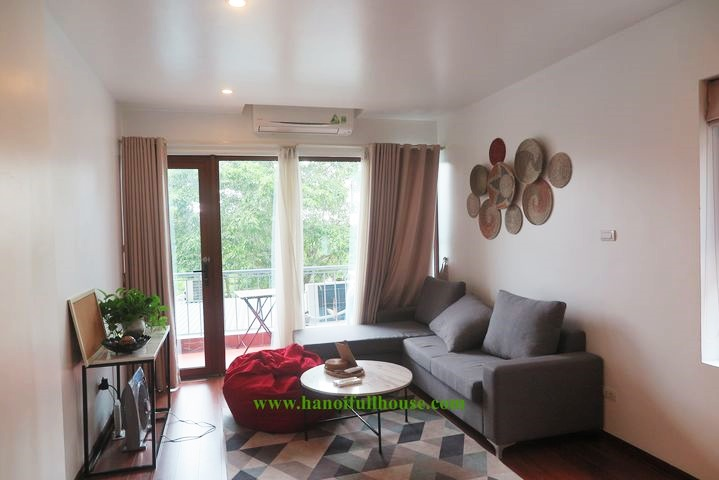 Nice and cheap 2-bedroom apartment on To Ngoc Van street for rent