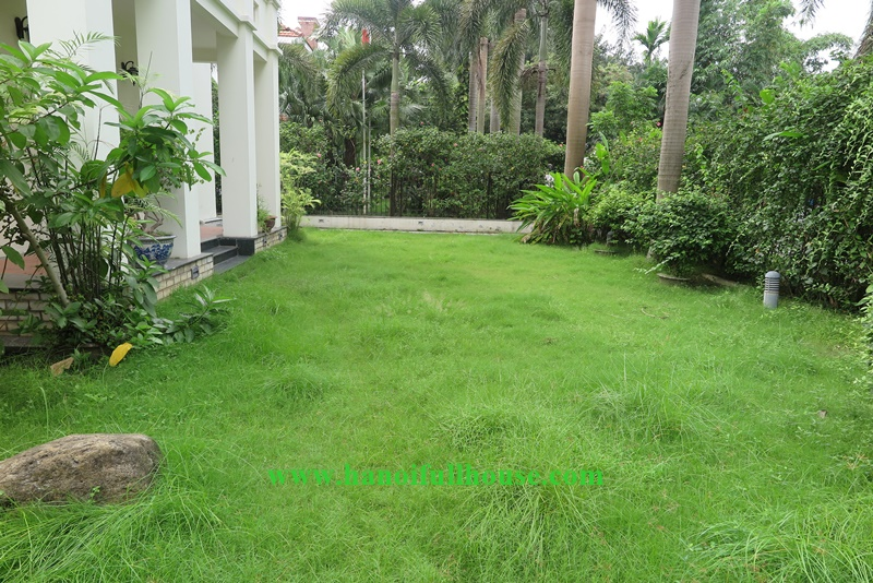 Swimming pool & big garden villa with 05 bedrooms in Tay Ho, Viet Nam for lease