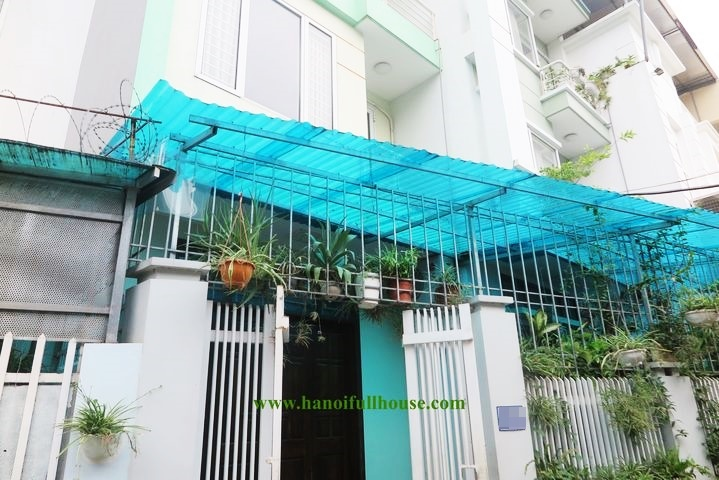 Cheap 4-bedroom house for rent, car parking at Au Co, Tay Ho