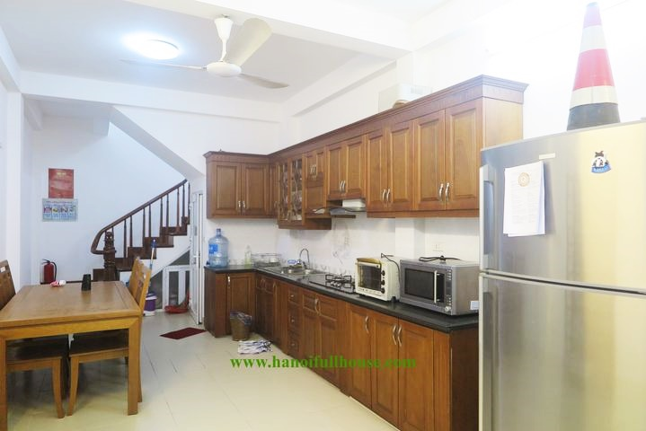 Private house for rent with 3 closed bedrooms next to flower market - Au Co street