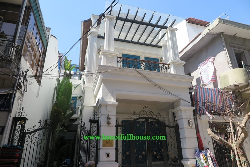 Hanoi Villa- A French style villa in the best condition for foreigners to live, partly furnished and high quality