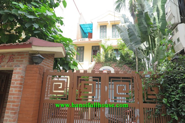 Garden house on An Duong street, 4 bedrooms, nice decor for rent.