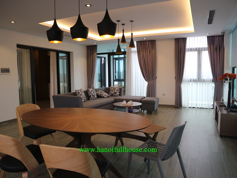 Luxury serviced apartment on top floor, lots of natural lights in Hoan Kiem for lease