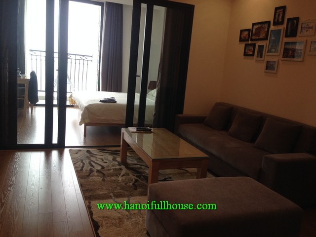 Royal City 72A Nguyen Trai - Luxury one-bedroom apartment with a balcony for rent
