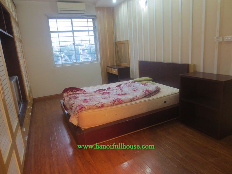 Two-bedroom apartment in Doi Can for rent, cheap price 550$/month, full furniture