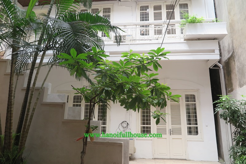 Quiet 2 bedroom house in central Hanoi for Expats lease