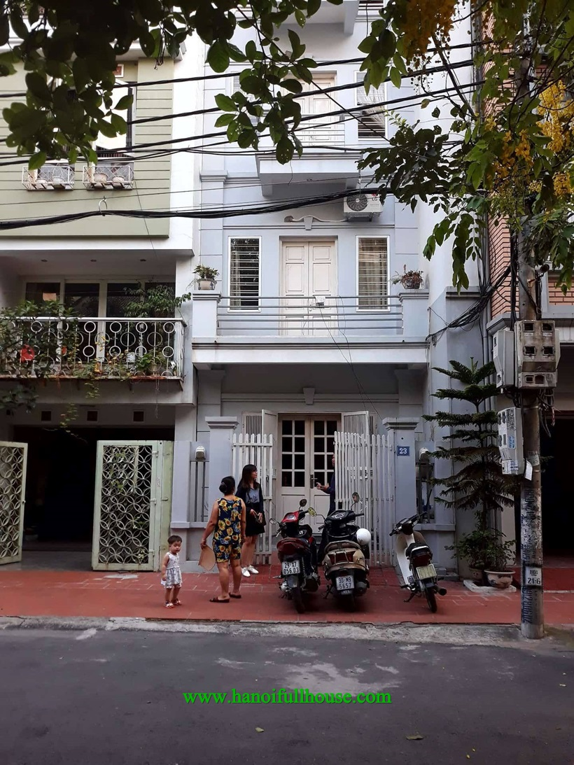 Garden house with 4 bedrooms, car park for rent on Lam Du street, Long Bien dist