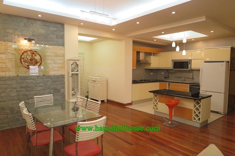 3 bedroom apartment for rent in 57 Lang Ha Building