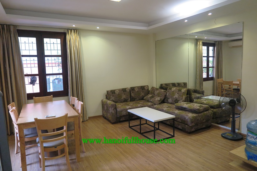 Ba Dinh Housing : one bedroom apartment with full service