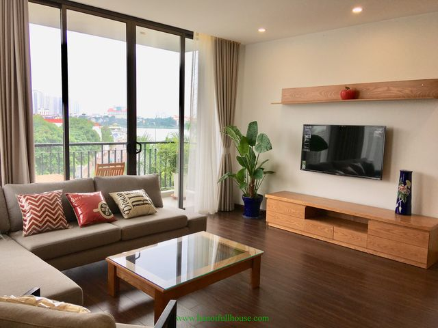 Great apartment with 2 bedrooms,lake view,lots of light in Tay Ho dist