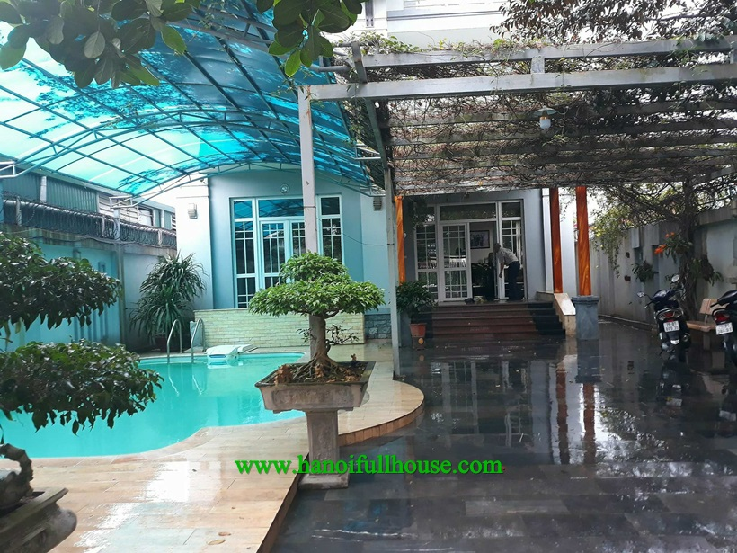 Garden Villa with swimming-pool for lease in Ngoc Thuy street, Long bien dist