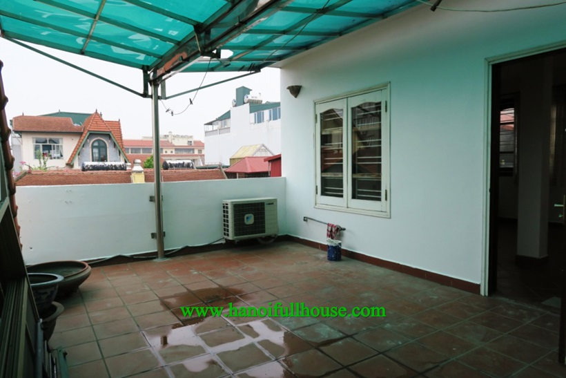 Looking for a modern furnished house with natural light and 3 bedrooms, 1 master room in Tay Ho?