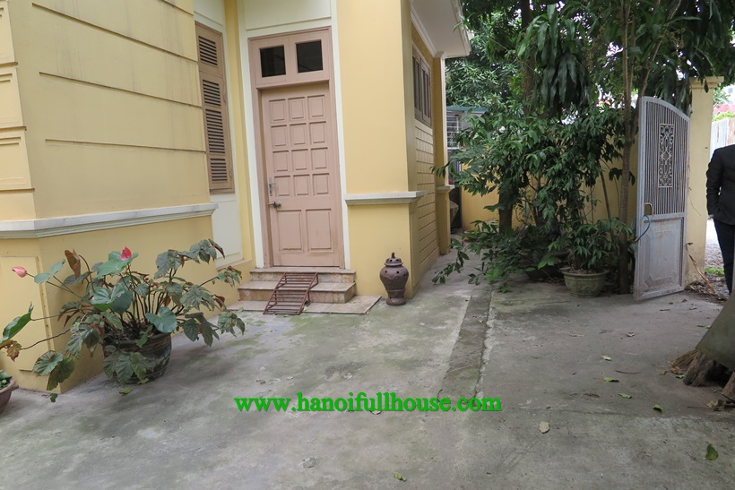 Nice house with small yard, full of light in Long Bien
