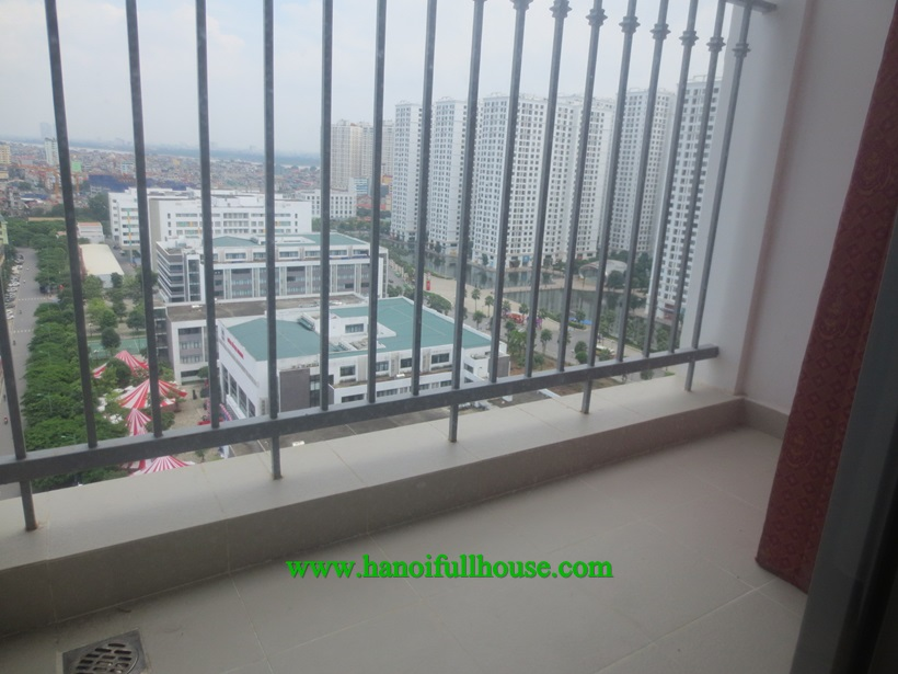 Looking to rent a 3 bedroom apartment with big balcony in Times City Minh Khai street, Hai Ba Trung dist?