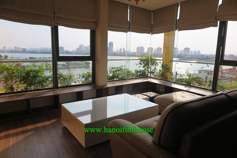 Penthouse serviced apartment 02 bedrooms in To Ngoc Van 2000$