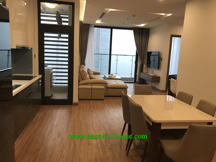 Nice and modern apartment is available in Vinhomes Metropolis Lieu Giai