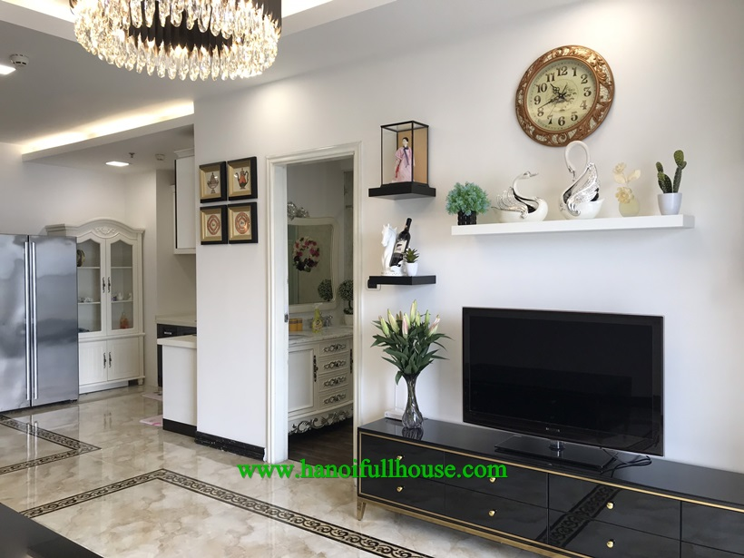 Luxurious and modern apartment for rent in Royal city