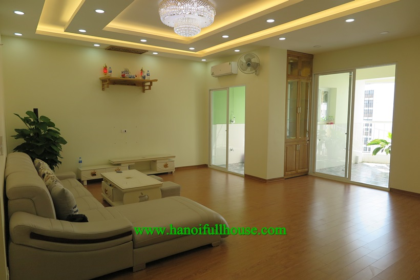 3 bedroom apartment with big balcony for rent in 71 Nguyen Chi Thanh Building 127 sqm
