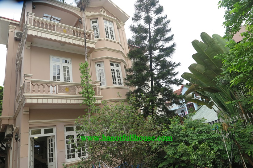 Garden House ,full of light on Au Cơ street, Tay Ho dist is available now