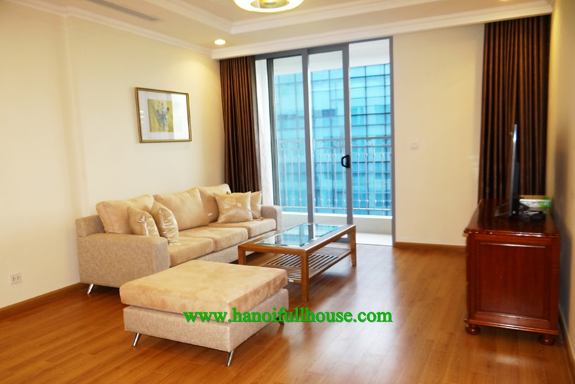 Luxurious and modern apartment on high floor for rent in Vinhomes Nguyen Chi Thanh
