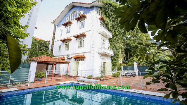 Amazing villa with lake view on the top floor, nice decor, swimming pool and garden.