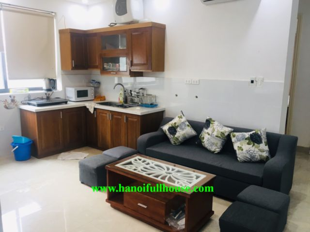 Good price for modern 3 bedrooms apartment in Tu Hoa street, 20 meter from the Lake