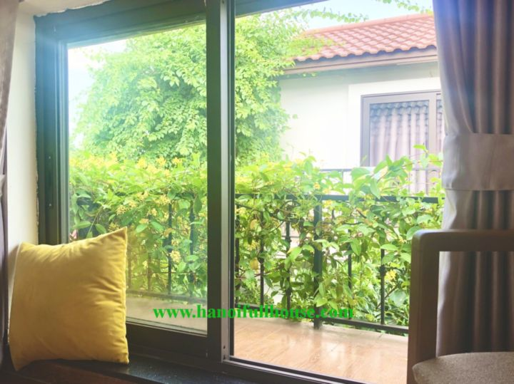 Only 450 USD for a beautiful little house in Tay Ho dist, green garden, modern furniture