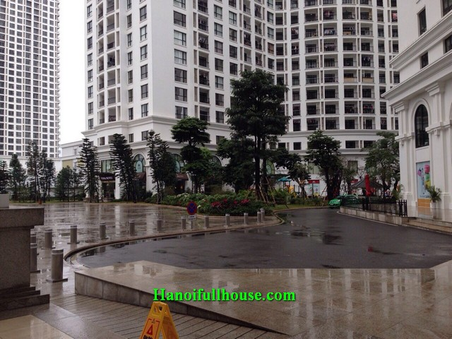 Full furnished 2 bedroom apartment for rent at ROYAL CITY - Floor 25