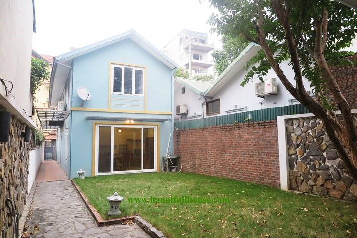 Garden house in Tay Ho for rent, the area up to 200 sq m